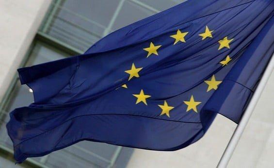 Si riaccende in UE la battaglia per il futuro delle sigarette elettroniche