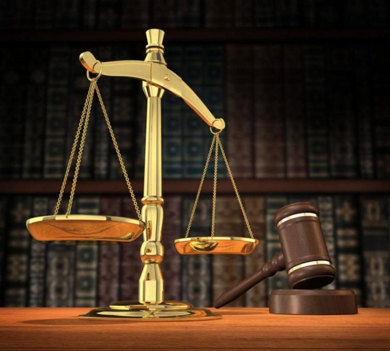"""E-cig: super-tassa sospesa fino a nuovo giudizio: """"San Riccardo è il protettore dello svapo"""""""