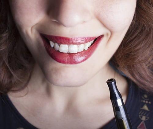 Salute del cavo orale: con le elettroniche miglioramenti sorprendenti